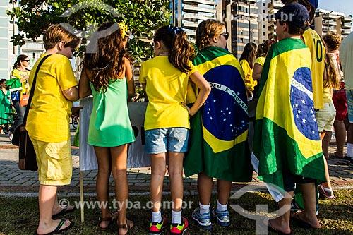 Crianças em manifestação contra a corrupção e pelo Impeachment para Presidenta Dilma Rousseff na Avenida Beira Mar Norte  - Florianópolis - Santa Catarina (SC) - Brasil