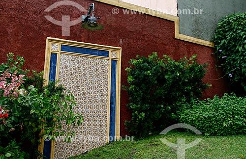 Detalhe da fachada do Museu Casa de Eduardo Ribeiro - casa em que o ex-Governador do Amazonas Eduardo Gonçalves Ribeiro viveu  - Manaus - Amazonas (AM) - Brasil