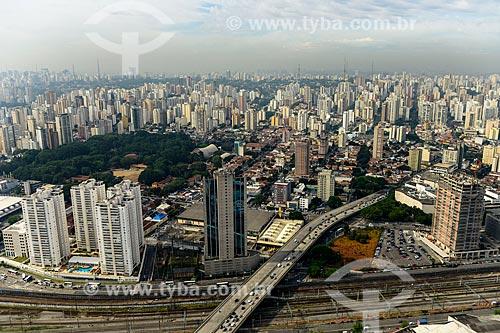 Viaduto Antártica com o bairro de Perdizes ao fundo  - São Paulo - São Paulo (SP) - Brasil