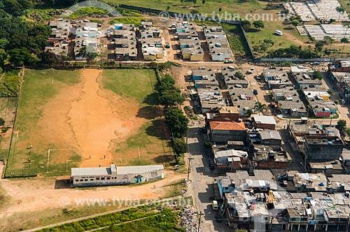 Foto aérea de campo de Futebol e casas na Vila Nova Cachoeirinha  - São Paulo - São Paulo (SP) - Brasil