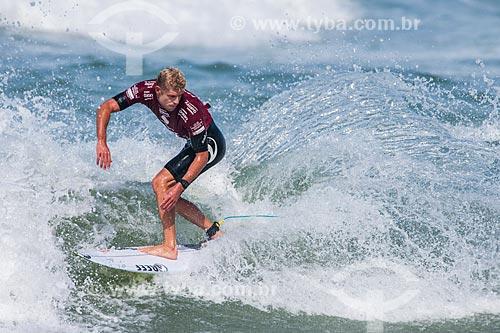 Campeonato mundial de surf (World Surf League) - Etapa Rio Pro - Bede Durbidge surfando  - Rio de Janeiro - Rio de Janeiro (RJ) - Brasil