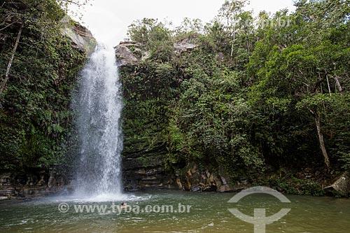 Banhista na Cachoeira do Abade no Parque Estadual da Serra dos Pireneus  - Pirenópolis - Goiás (GO) - Brasil