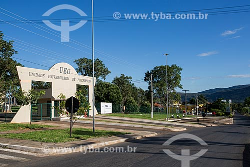 Entrada da Unidade Universitária de Pirenópolis da Universidade Estado de Goiás (UEG)  - Pirenópolis - Goiás (GO) - Brasil
