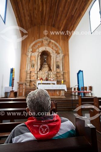 Fiel no interior da Igreja Matriz de Nossa Senhora do Rosário (1761)  - Pirenópolis - Goiás (GO) - Brasil