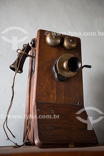 Telefone antigo em exibição no Museu Histórico de Anápolis Alderico Borges de Carvalho  - Anápolis - Goiás (GO) - Brasil