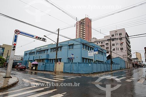 Fachada do Colégio Estadual Antensina Santana na esquina da Rua Barão do Rio Branco com a Rua Desembargador Jaime  - Anápolis - Goiás (GO) - Brasil