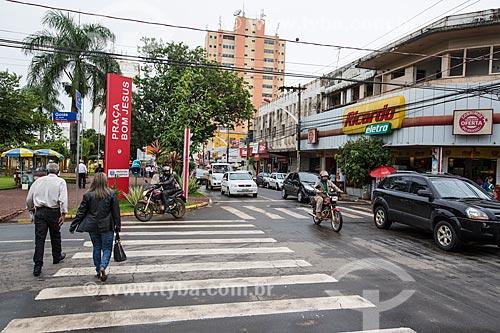Faixa de pedestre próximo à Praça Bom Jesus - esquina da Rua Engenheiro Portela com a Avenida Goiás  - Anápolis - Goiás (GO) - Brasil