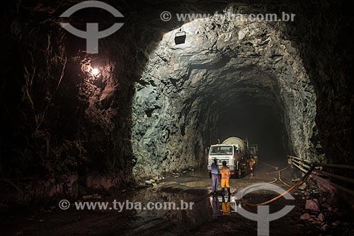 Interior do túnel Cuncas I - parte do Projeto de Integração do Rio São Francisco com as bacias hidrográficas do Nordeste Setentrional  - Mauriti - Ceará (CE) - Brasil