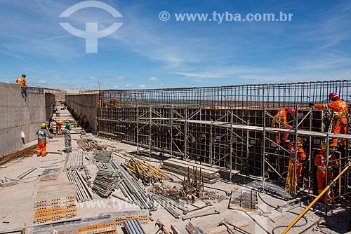 Aqueduto do projeto de Integração do Rio São Francisco sobre a Rodovia BR-316  - Floresta - Pernambuco (PE) - Brasil