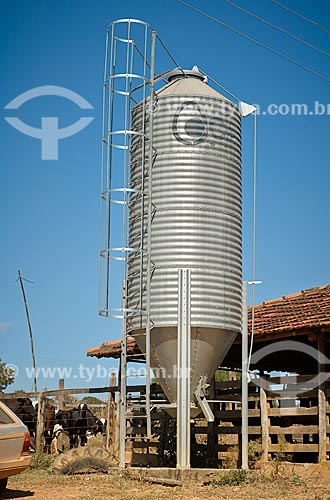 Silo em fazenda no distrito de Palmeirinha  - Unaí - Minas Gerais (MG) - Brasil