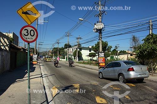 Quebra-molas na Rua Campo Formoso  - Rio de Janeiro - Rio de Janeiro (RJ) - Brasil