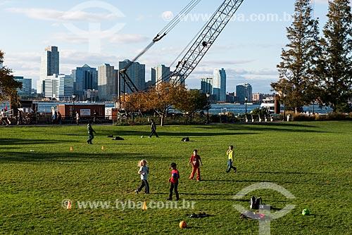Crianças brincando no Battery Park  - Cidade de Nova Iorque - Nova Iorque - Estados Unidos