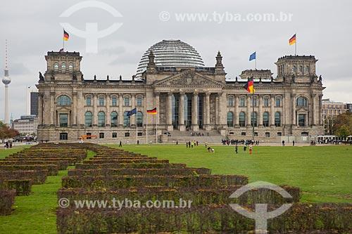 Vista geral do Palácio do Reichstag (1894) - sede do Parlamento Alemão  - Berlim - Berlim - Alemanha