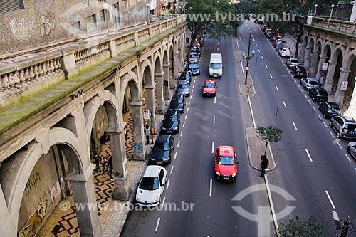 Viaduto Otávio Rocha (1932) sobre a Avenida Borges de Medeiros  - Porto Alegre - Rio Grande do Sul (RS) - Brasil