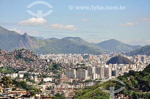 Vista da Pedra da Babilônia e dos prédios da Tijuca a partir de Santa Teresa  - Rio de Janeiro - Rio de Janeiro (RJ) - Brasil