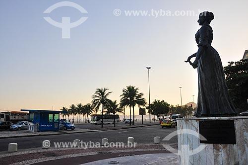 Estátua da Princesa Isabel (2003) na Avenida Princesa Isabel esquina da Avenida Atlântica  - Rio de Janeiro - Rio de Janeiro (RJ) - Brasil