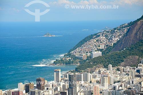 Vista dos prédios do Leblon e a favela do Vidigal a partir do Morro dos Cabritos  - Rio de Janeiro - Rio de Janeiro (RJ) - Brasil