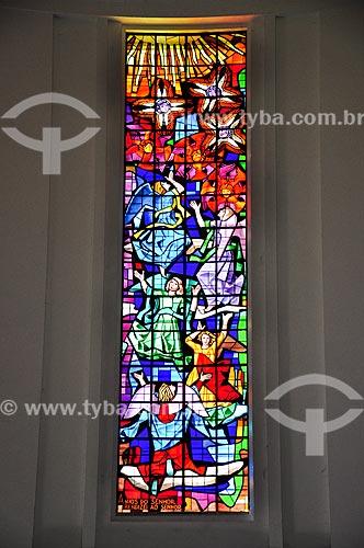 Detalhe do vitral da no interio da Paróquia São Judas Tadeu  - Rio de Janeiro - Rio de Janeiro (RJ) - Brasil