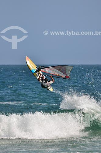 Praticante de windsurf na Praia da Barra da Tijuca  - Rio de Janeiro - Rio de Janeiro (RJ) - Brasil