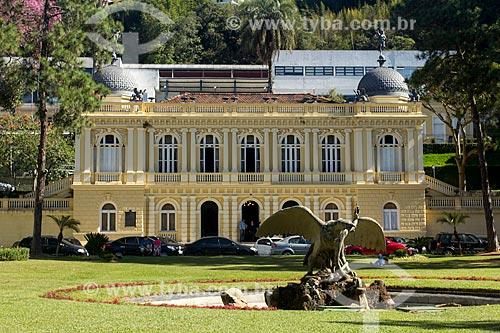 Praça Visconde de Mauá - também conhecida como Praça da Águia -  com o Palácio Amarelo (1897) - atual sede da Câmara Municipal de Petrópolis  - Petrópolis - Rio de Janeiro (RJ) - Brasil