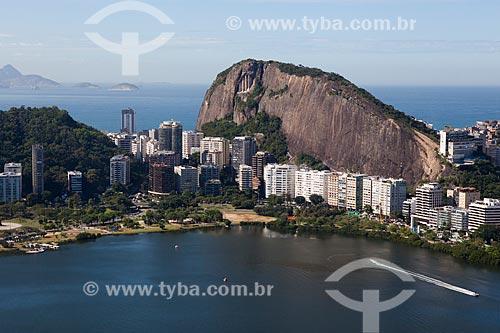 Foto aérea do Parque do Cantagalo com o Morro do Cantagalo e o Corte do Cantagalo  - Rio de Janeiro - Rio de Janeiro (RJ) - Brasil