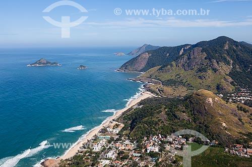 Foto aérea da Praia da Macumba com o Parque Natural Municipal da Prainha ao fundo  - Rio de Janeiro - Rio de Janeiro (RJ) - Brasil