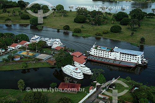 Foto aérea de navio de cruzeiro na cidade de Parintins  - Parintins - Amazonas (AM) - Brasil