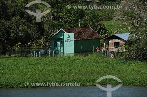 Igreja Adventista do Sétimo Dia em Comunidade Ribeirinha às margens do Rio Amazonas durante a época de cheia  - Careiro da Várzea - Amazonas (AM) - Brasil