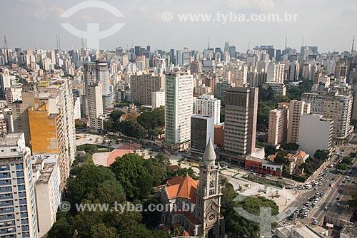 Vista de cima da Paróquia de Nossa Senhora da Consolação (1799) com a Praça Franklin Roosevelt e a Rua da Consolação  - São Paulo - São Paulo (SP) - Brasil