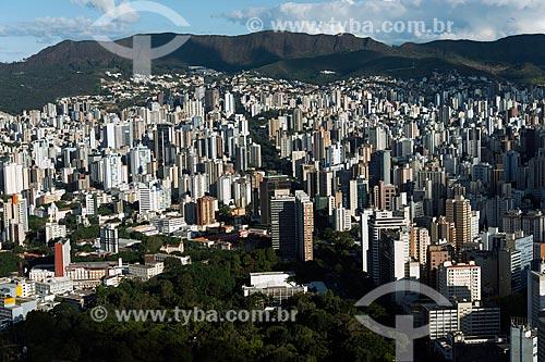 Foto aérea do Parque Municipal Américo Renné Giannetti (1897) com a Avenida Afonso Pena  - Belo Horizonte - Minas Gerais (MG) - Brasil