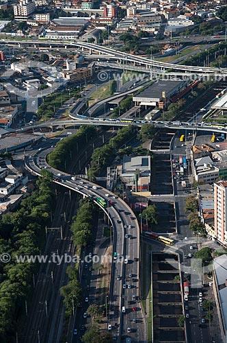 Foto aérea da Avenida do Contorno com o Viaduto Oeste, Viaduto Sarah Kubitschek e o Viaduto Hansen Araújo  - Belo Horizonte - Minas Gerais (MG) - Brasil