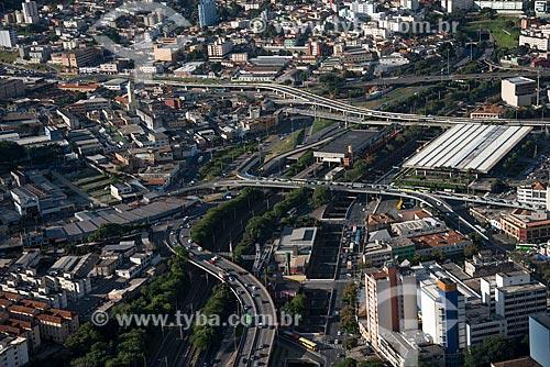 Foto aérea da Avenida do Contorno com o Viaduto Oeste, Viaduto Sarah Kubitschek, Viaduto Hansen Araújo e o Terminal Rodoviário Governador Israel Pinheiro - à direita  - Belo Horizonte - Minas Gerais (MG) - Brasil