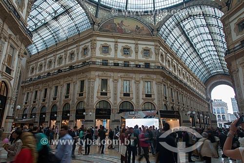 Interior da Galleria Vittorio Emanuele II (1877) - um dos mais antigos centros comerciais do mundo  - Milão - Província de Milão - Itália
