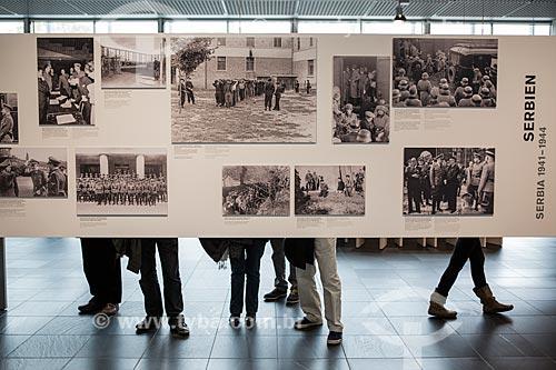 Parte do acervo permanente do Topographie des Terrors (Topografia do Terror) - prédio que abrigou a Gestapo, a polícia secreta nazista, de 1933 a 1945  - Berlim - Berlim - Alemanha