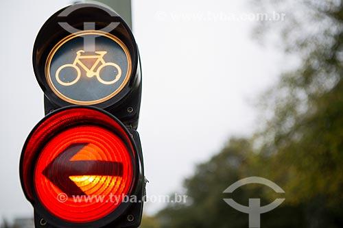 Detalhe de semáforo em ciclovia  - Berlim - Berlim - Alemanha
