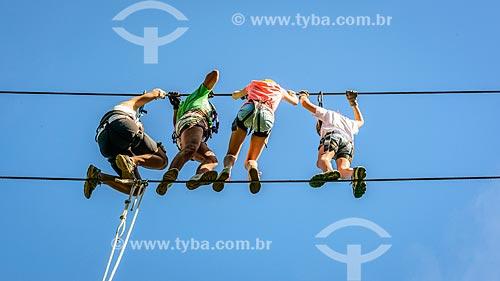 Crianças praticando rapel  - Bocaina de Minas - Minas Gerais (MG) - Brasil