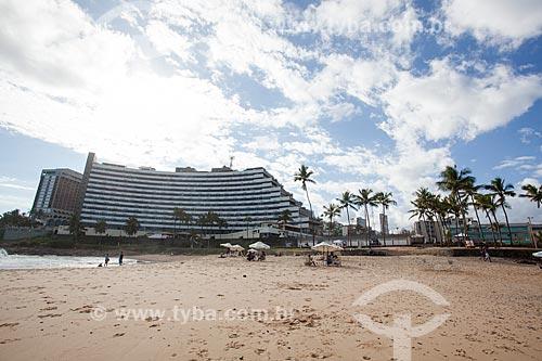 Orla da Praia de Ondina com o Ondina Apart Hotel ao fundo  - Salvador - Bahia (BA) - Brasil