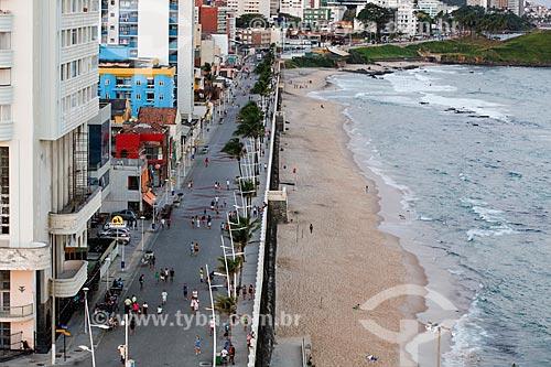 Vista do calçadão da Praia da Barra a partir do Forte de Santo Antônio da Barra (1702)  - Salvador - Bahia (BA) - Brasil