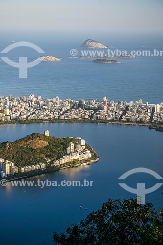 Vista da Lagoa Rodrigo de Freitas a partir do mirante do Cristo Redentor com o bairro de Ipanema e o Monumento Natural das Ilhas Cagarras ao fundo  - Rio de Janeiro - Rio de Janeiro (RJ) - Brasil