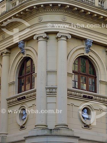 Detalhe da fachada da Biblioteca Pública do Estado do Rio Grande do Sul (1915)  - Porto Alegre - Rio Grande do Sul (RS) - Brasil