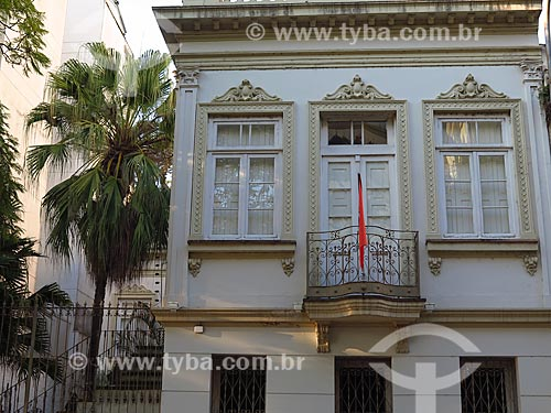 Fachada do antigo casario conhecido como Solar Riachuelo (1906) - atual Centro Cultural Cervejeiro Solar Coruja  - Porto Alegre - Rio Grande do Sul (RS) - Brasil
