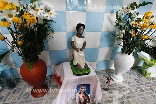 Imagem da Escrava Anastácia - personalidade religiosa de devoção popular - no interior da Igreja de Nossa Senhora do Rosário dos Pretos (século XVIII)  - Salvador - Bahia (BA) - Brasil