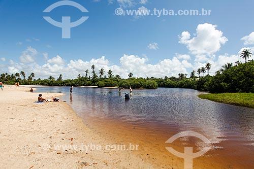 Turistas no Rio Timeantube  - Mata de São João - Bahia (BA) - Brasil