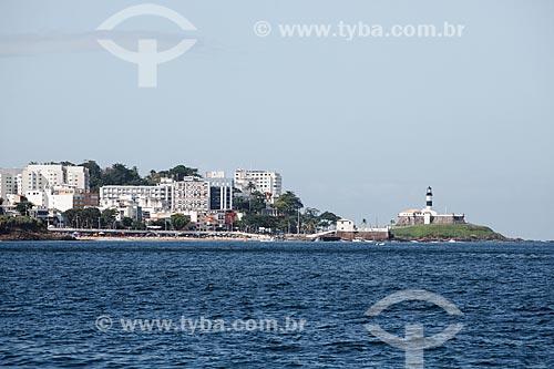 Vista da Praia do Porto da Barra com o Forte de Santo Antônio da Barra (1702) - à direita - a partir da Baia de Todos os Santos  - Salvador - Bahia (BA) - Brasil