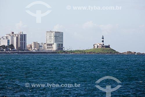 Vista do Forte de Santo Antônio da Barra (1702) a partir da Baia de Todos os Santos  - Salvador - Bahia (BA) - Brasil