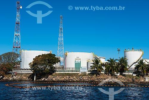 Tanques de armazenamento na Ilha Dágua - Terminal Aquaviário Baía de Guanabara (TABG)  - Rio de Janeiro - Rio de Janeiro (RJ) - Brasil