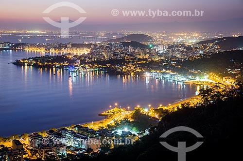 Vista noturna de Charitas e São Francisco a partir do Parque da Cidade de Niterói  - Niterói - Rio de Janeiro (RJ) - Brasil