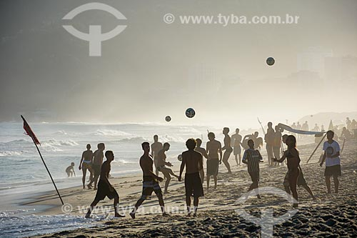 Banhistas na Praia de Ipanema  - Rio de Janeiro - Rio de Janeiro (RJ) - Brasil