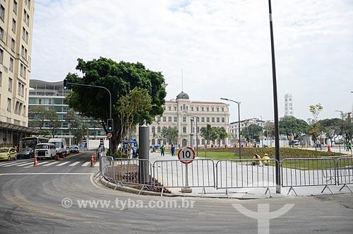 Obra de reurbanização da Praça Mauá com o Museu de Arte do Rio (MAR) ao fundo  - Rio de Janeiro - Rio de Janeiro (RJ) - Brasil