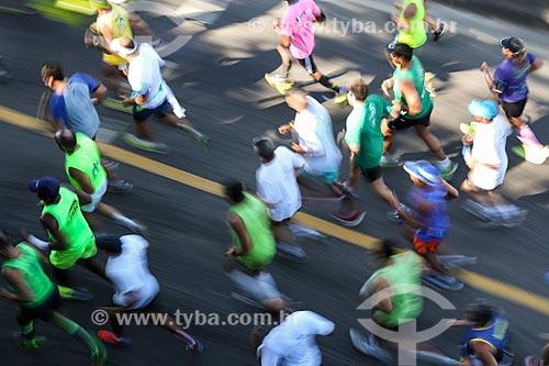 Atletas na Avenida Niemeyer durante a Meia Maratona Internacional do Rio de Janeiro  - Rio de Janeiro - Rio de Janeiro (RJ) - Brasil